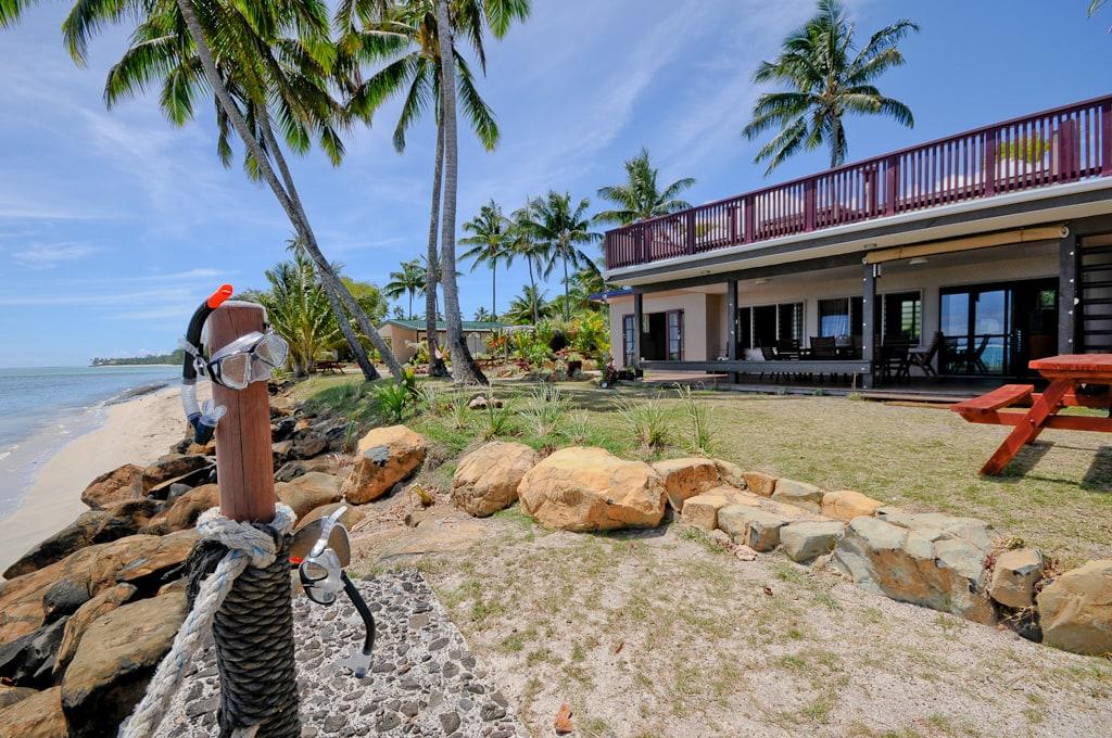 Raro beach accommodation